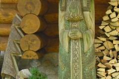 holzskulptur_alte_frau